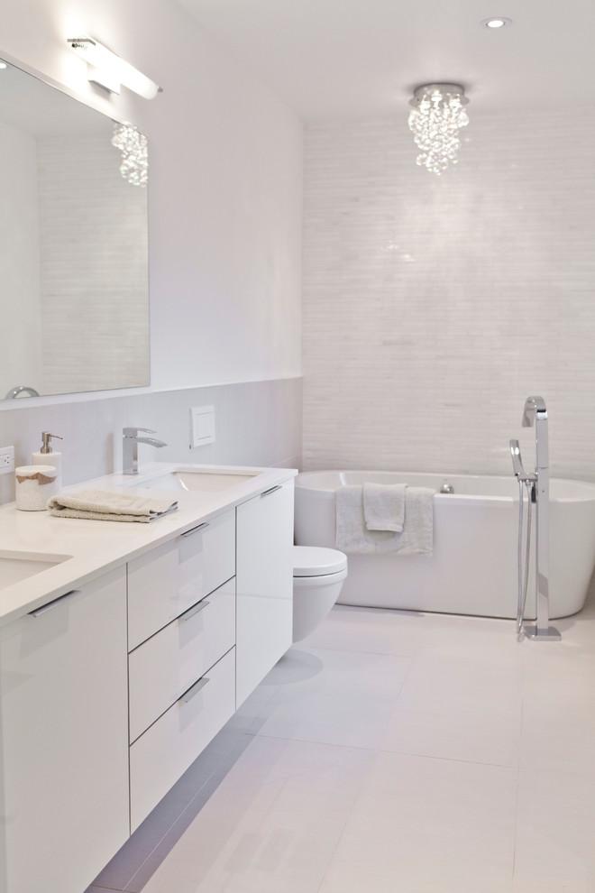 Inspiration for a modern freestanding bathtub remodel in Toronto