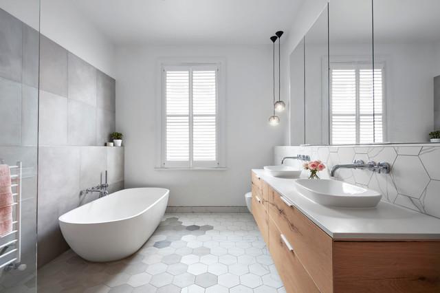 Moonee Ponds Home - Main Bathroom - Contemporary ...