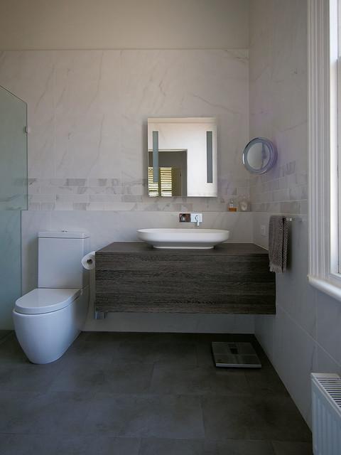 Moonee ponds victorian terrace contemporary bathroom for Victorian terrace bathroom ideas