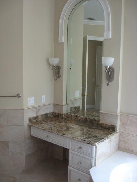 Mooring Line Dr traditional-bathroom