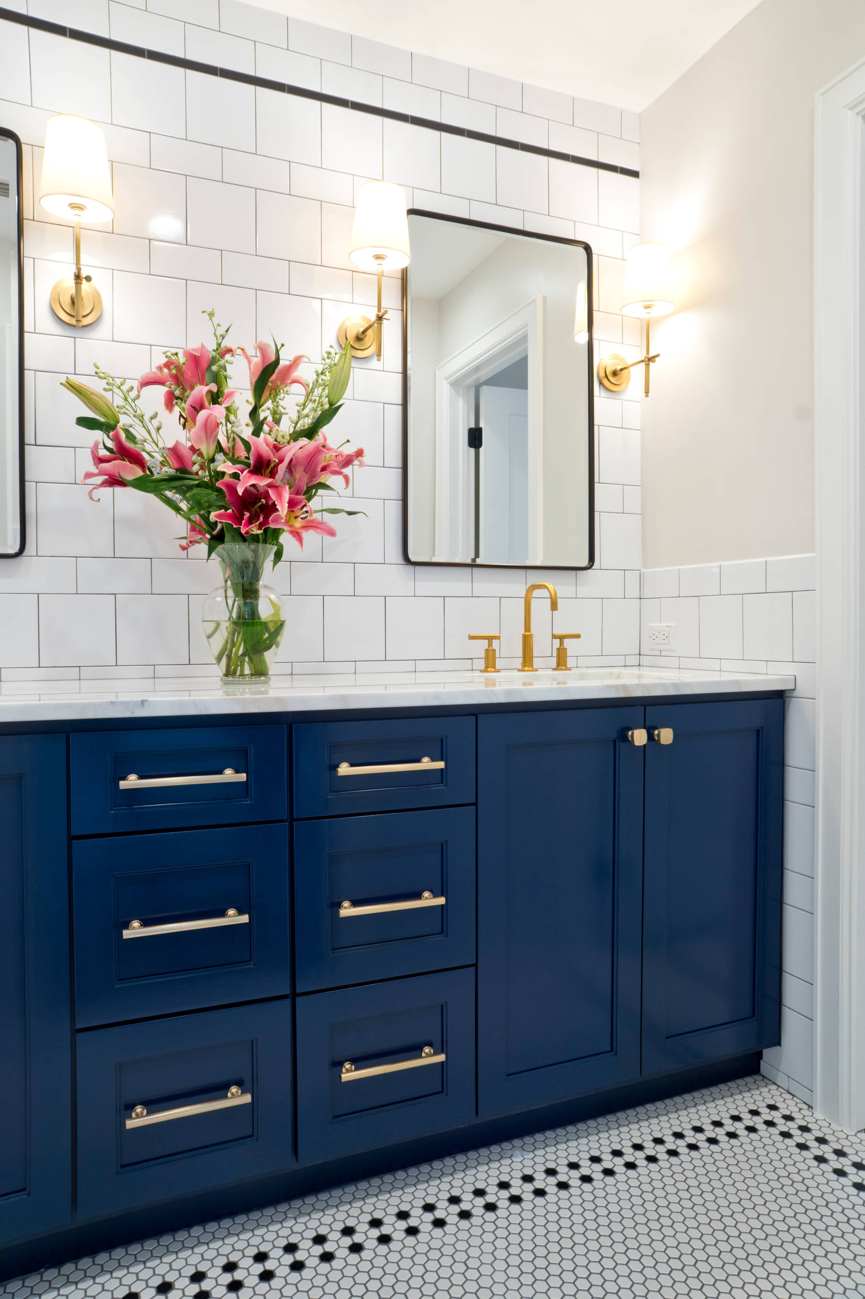 75 Beautiful Blue Bathroom Pictures Ideas May 2021 Houzz