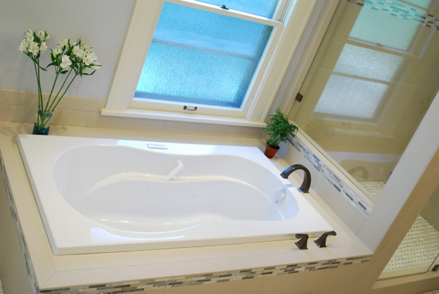 Morris Ave Heritage Hill Grand Rapids Mi Transitional Bathroom Grand Rapids By