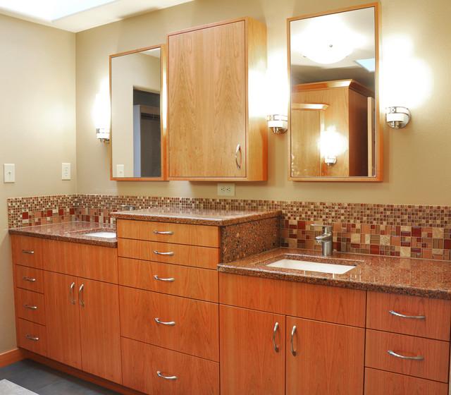 mosaic glass backsplash transitional bathroom