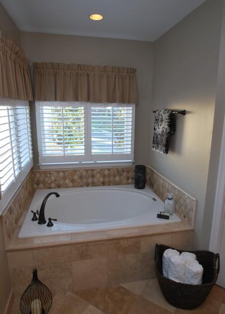 Mosaic Tile Company - Designer Installs traditional-bathroom