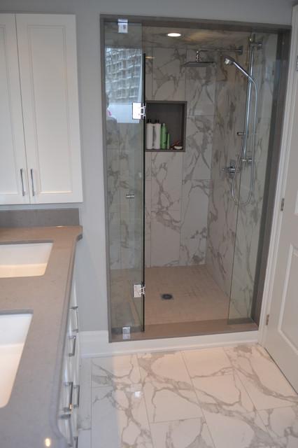 Moscone Showroom contemporary-bathroom