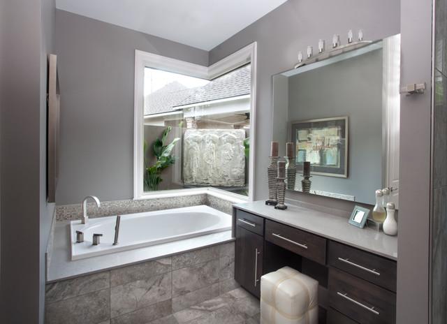 Mott House Terra Bella Village contemporary-bathroom