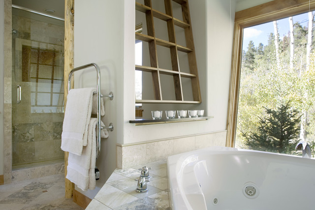 Mountain Lodge rustic-bathroom