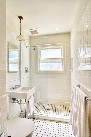 Incroyable Example Of An Arts And Crafts Bathroom Design In Seattle