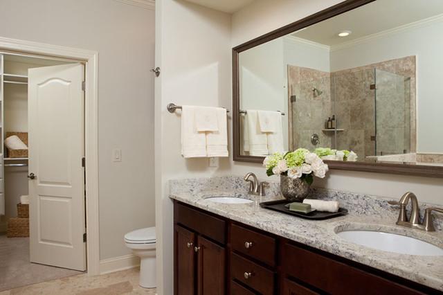 Muirfield Townes traditional-bathroom