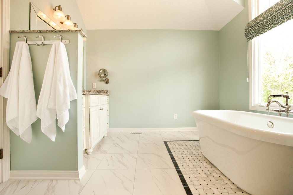 Inspiration for a contemporary bathroom remodel in Indianapolis