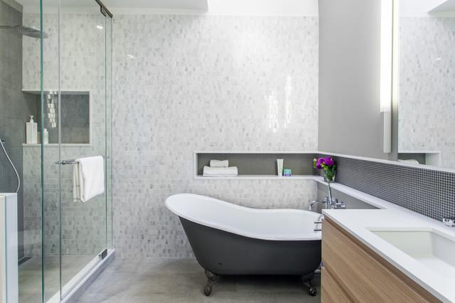Munro Renovation Contemporary Bathroom Toronto By