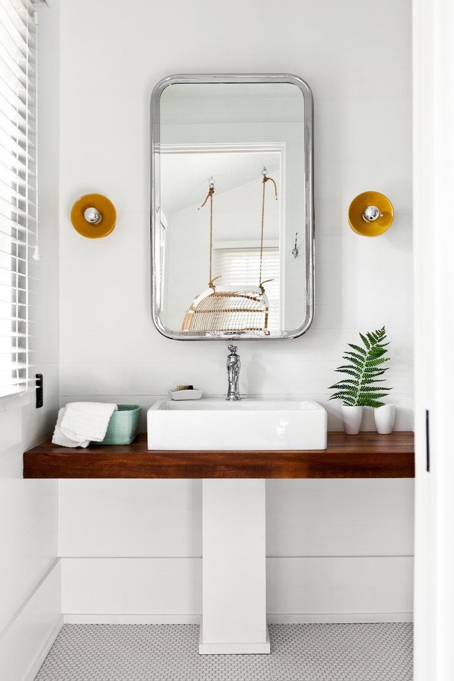 Bathroom - coastal bathroom idea in Toronto