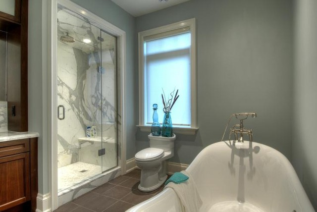 Muskoka Cottage contemporary-bathroom