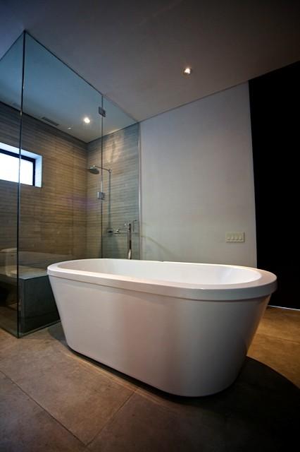 My house modern-bathroom
