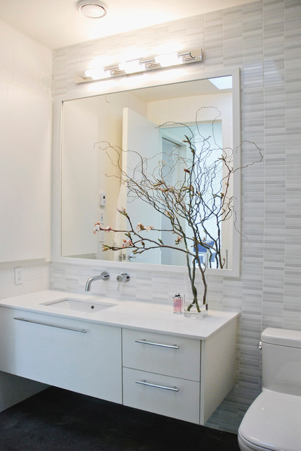 My Houzz: A Smart-Home Jewel in Vancouver contemporary-bathroom