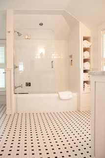 My Houzz: A Summer Beach House Charms and Welcomes - Traditional - Bathroom - Boston - by Mary Prince Photography