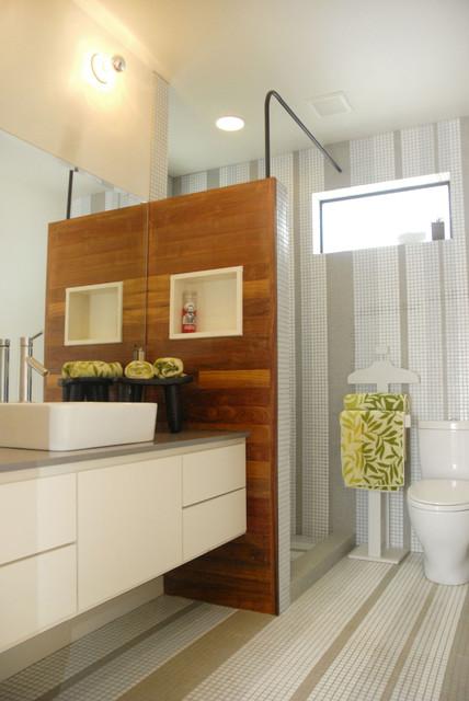 Giles modern-bathroom