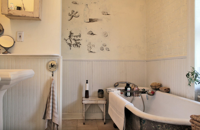 My Houzz: Antiques and curio items add interest to a Brooklyn ...