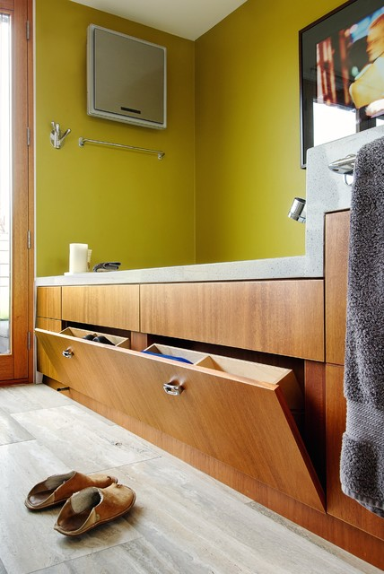My Houzz: Bathtub Storage transitional-bathroom