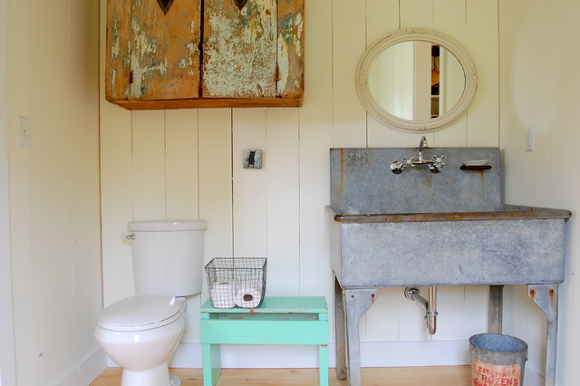 My Houzz Colorful Vintage Finds Fill A Chic Modern Farmhouse Bathroom