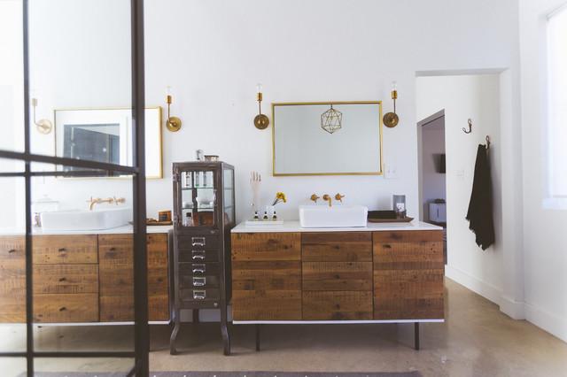 My houzz couple build their dream modern farmhouse style home moderne salle de bain - Houzz salle de bain ...