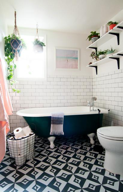My houzz eclectic bohemian style in a 1976 fixer upper clectique salle de bain los - Houzz salle de bain ...