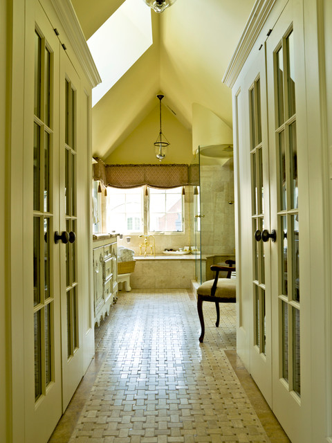 Simplifying In The Suburbs Traditional Bathroom