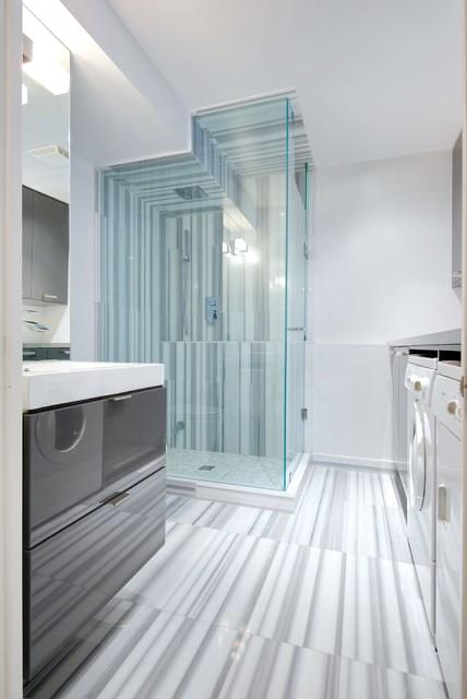 My Houzz: Modern Annex Renovation - Contemporary - Bathroom - Toronto - by Andrew Snow Photography