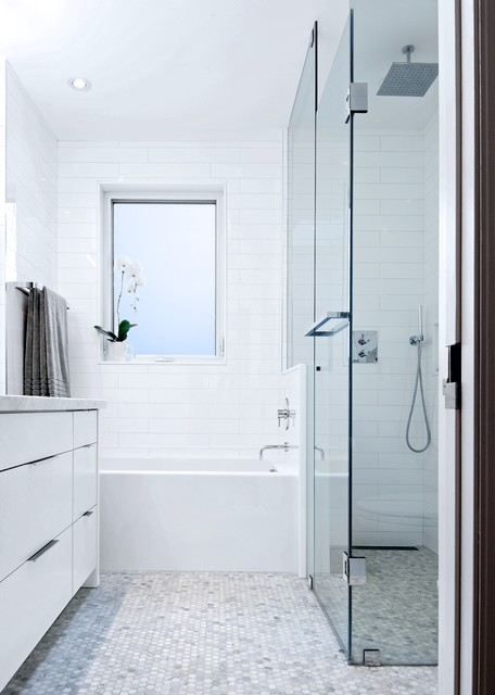 my houzz modern annex renovation contemporary bathroom toronto by andrew snow photography. Black Bedroom Furniture Sets. Home Design Ideas