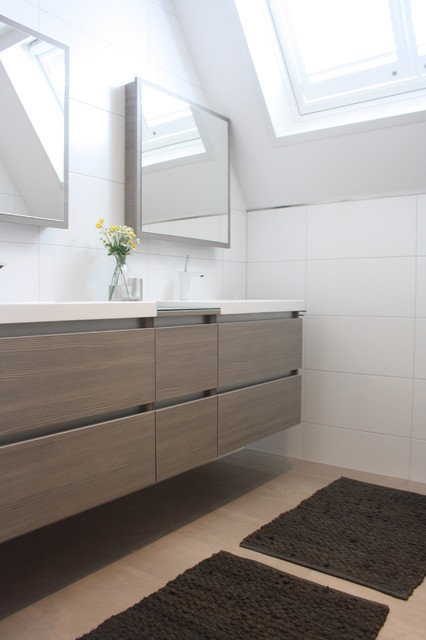My houzz modern meets traditional in the netherlands - Mueble bajo lavabo ...