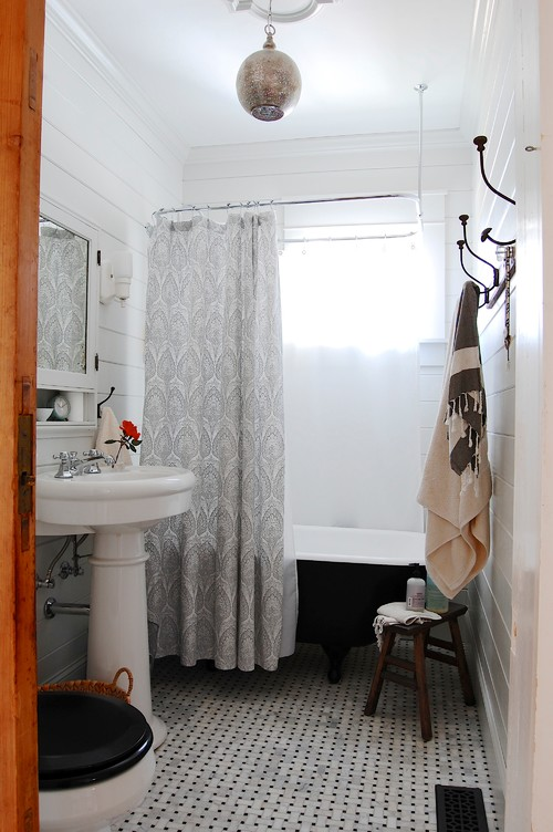 8 Inexpensive Bathroom Updates Anyone Can Do (PHOTOS)