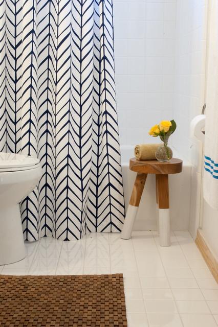 10 jolis rideaux de douche pour sublimer une salle de bains. Black Bedroom Furniture Sets. Home Design Ideas