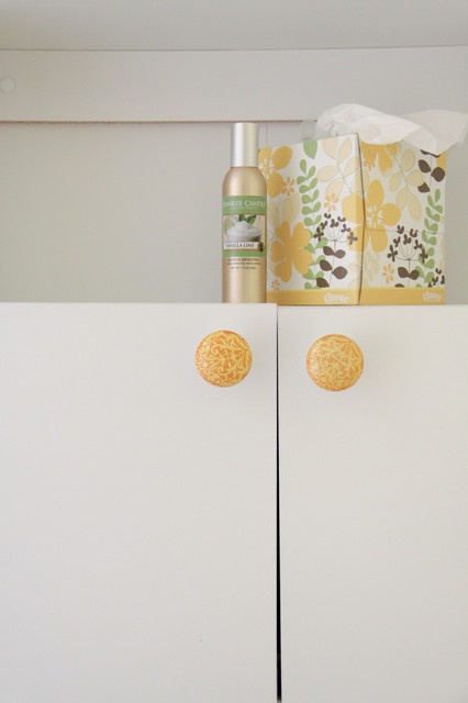 Houzz Tour:  a world traveler and producer nestled in NE Minneapolis eclectic-bathroom