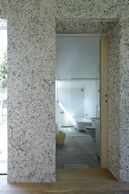 Nest House Nagoya modern-bathroom