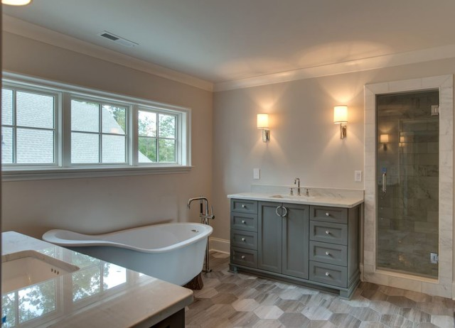 Example of a bathroom design in Charlotte