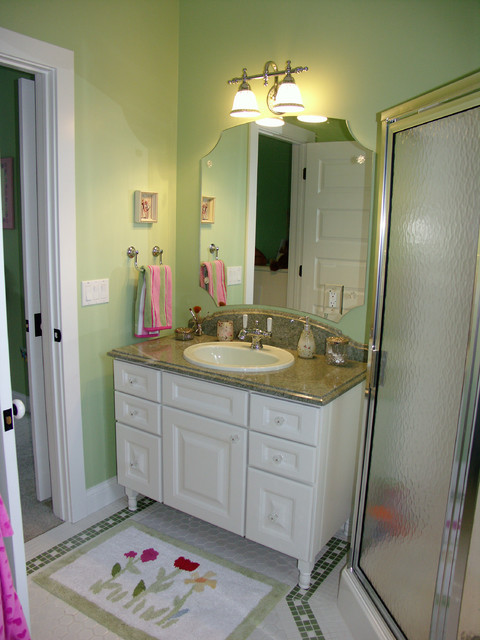 Nantucket style home for Nantucket style bathrooms