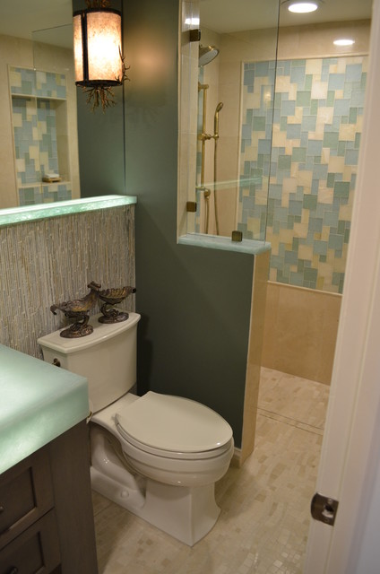 Transitional bathroom photo in Miami