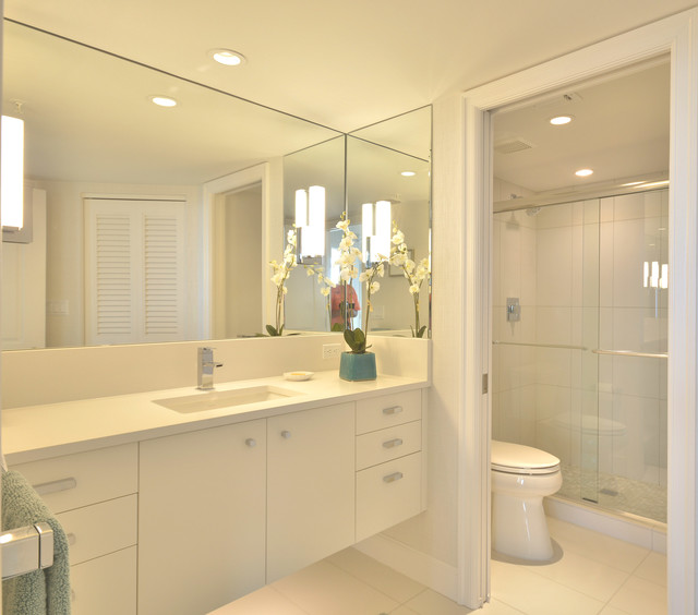 Naples high rise condoremodel beach style bathroom for Bathroom decor naples fl