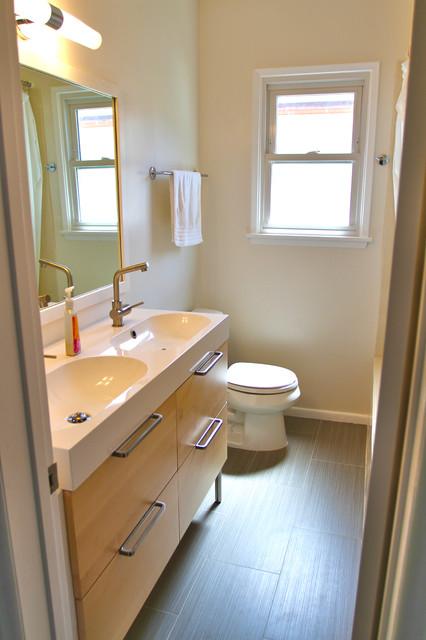 Narita Architects contemporary-bathroom