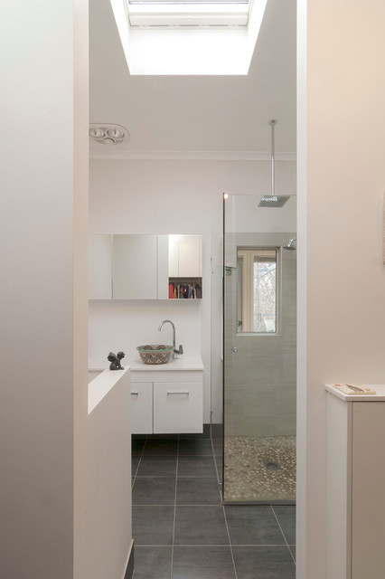 Narrabundah Ensuite And Wir Contemporary Bathroom Canberra Queanbeyan By Zenovations