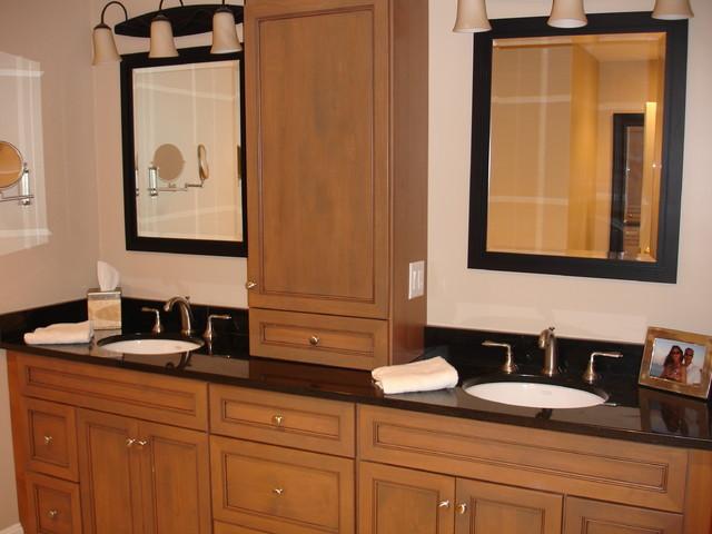 Narraganset traditional-bathroom