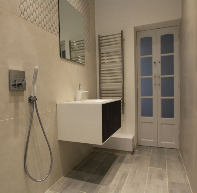 Naturally beautiful bathroom modern bathroom sussex for Beautiful modern bathrooms