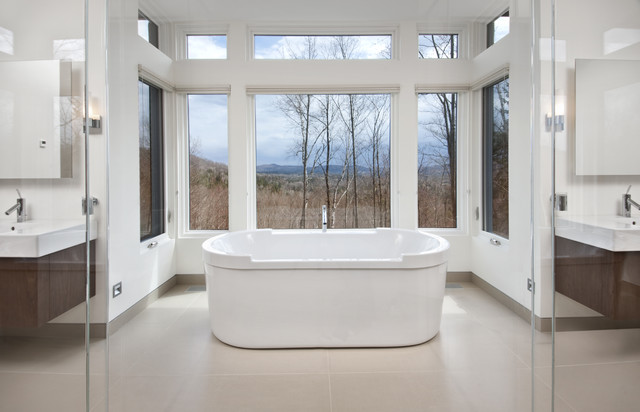 Nature's Drama: Laurentian Long House contemporary-bathroom