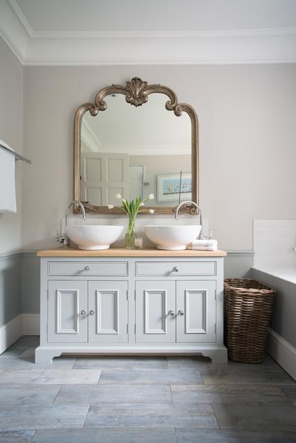 Neptune Bathroom Vanity Cabinets Klassisch Badezimmer Surrey Von Surrey Furniture Kitchens
