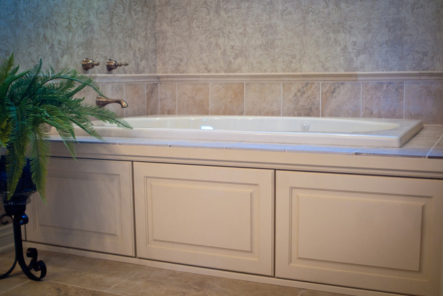 Neutrals Classic Residence traditional-bathroom