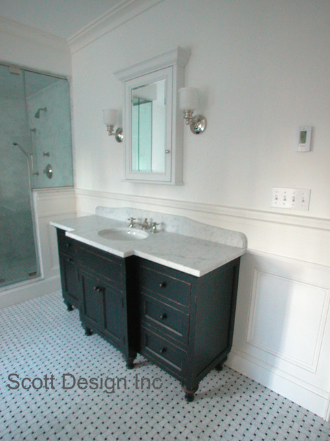 New 1850 S Greek Revival Farmhouse Farmhouse Bathroom