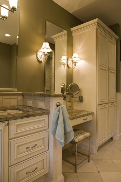 New England Cottage contemporary-bathroom