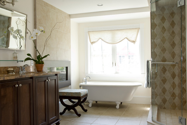 New England Home traditional-bathroom