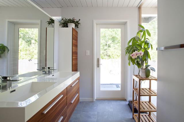 New master bathroom midcentury-bathroom