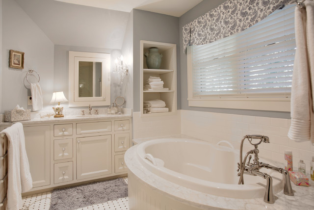 New old house - Change your old bathroom to traditional bathrooms ...